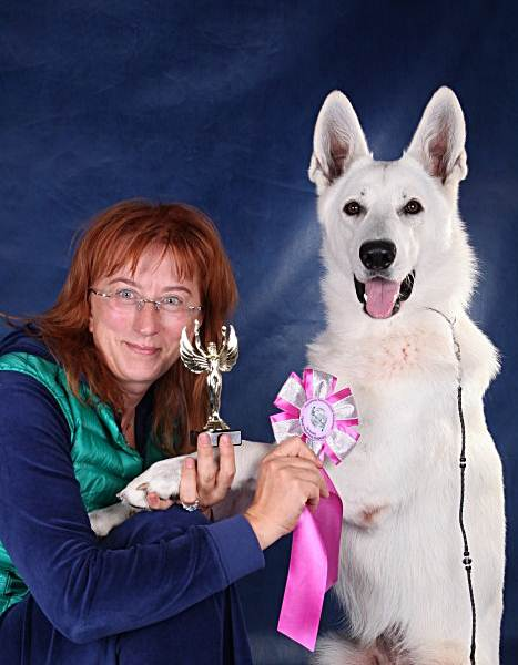 RUS & BLR CH, RUS J CH Born to Win White Lancelot BH 63